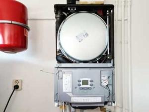 In bedrijf stelling Hybride lucht-water warmtepomp voor Immergas, Wolvega