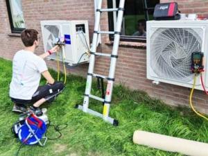 Inbedrijfstelling twee lucht-lucht warmtepompen Haier fabriek, Twello