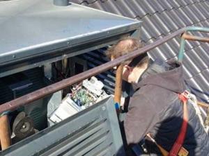 Onderhoud aan een Mitsubishi Electric warmtepomp, Woerden